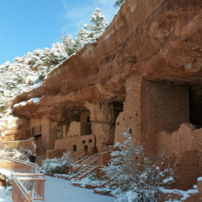 manitou cliff dwellings snow