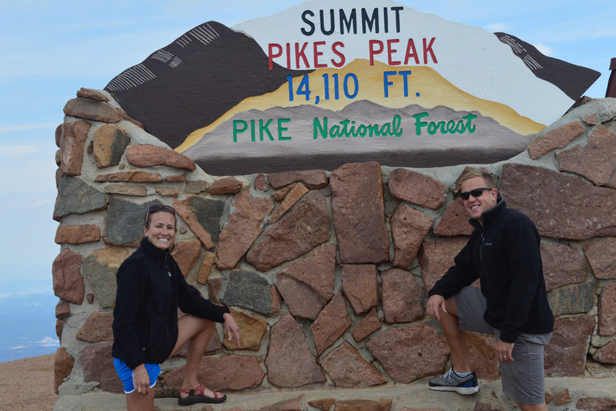 summit sign pikes peak