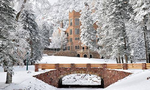madrigal banquet at glen eyrie castle