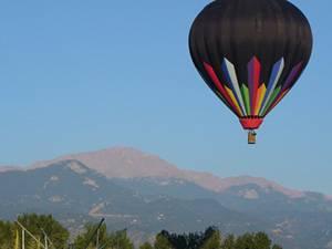 Hot air balloon rides over Colorado Aspens